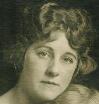1919 Helen 26, Betty 317042014