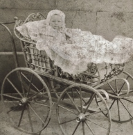 HELEN IN CARRIAGE 1895 (2)